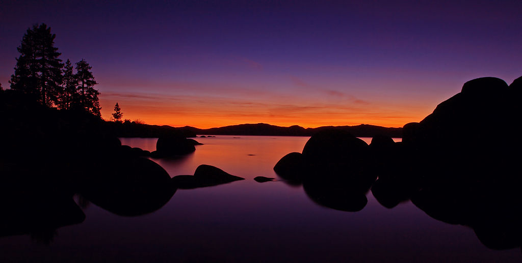 1024px-Sand_Harbor_at_Lake_Tahoe_at_sunset